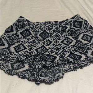 Tribal design ruffle shorts